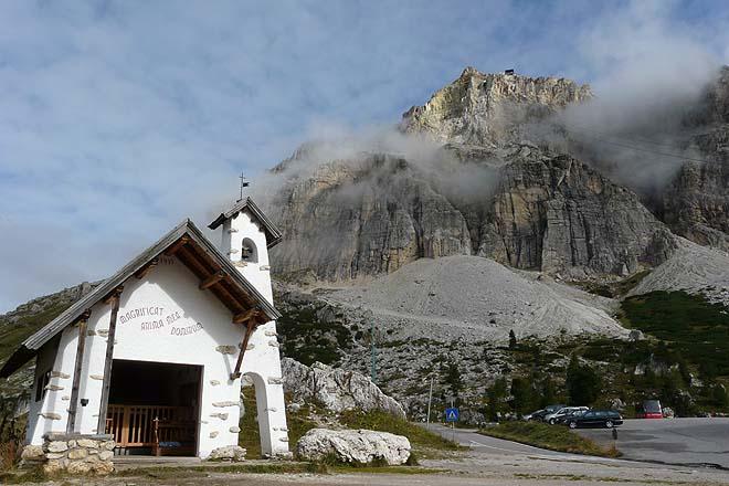 Chapelle du Passo di Falzarego