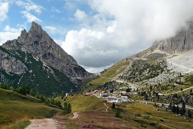 Passo Falzarego et Passo di Valparola