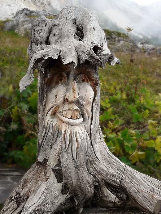 Dolomites, Sculpture sur bois