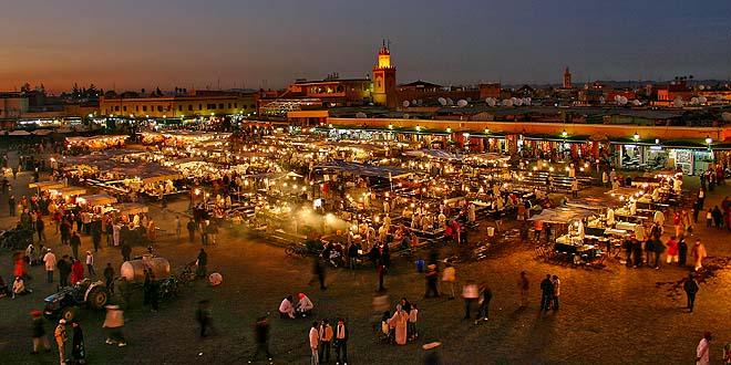 Marrakech-place Jemaa-El-Fna