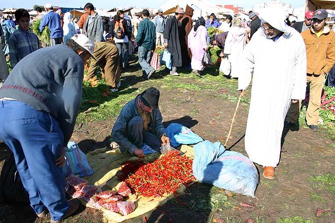 Maroc, Karia Ba Mohammed, souk rural