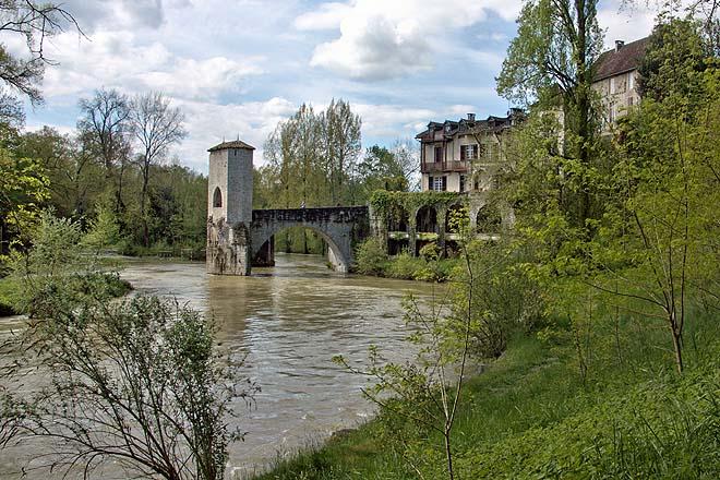 Sauveterre-de-Bearn, Pont de la legende