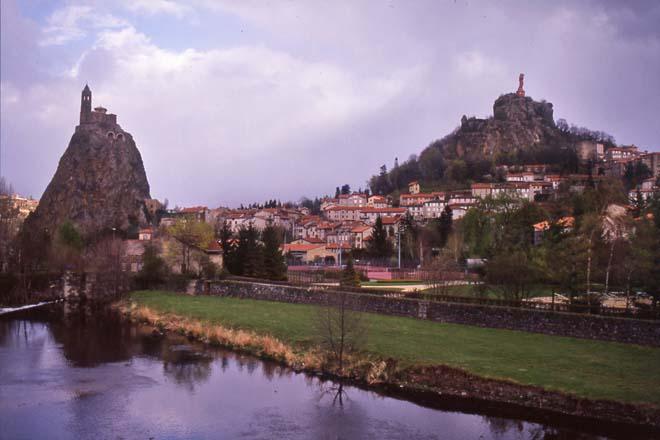 Le Puy-en-Velay, Saint-Michel-d'Aiguilhe